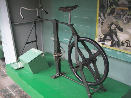 Bicycle trainer constructed by Voldřich, c.1890-1900 Photo by Stanislav Jelen