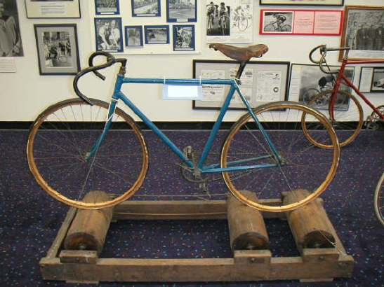 Antique rollers in the US Bicycling Hall of Fame Photo by Andrew Dressel, (CC BY-SA 3.0)