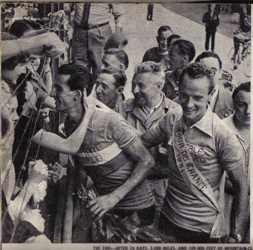Koblet (r) and Géminiani (l) in Paris at the end of Le Tour