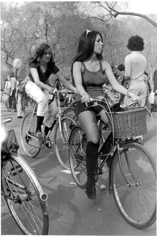 Women cycling in New York, 1970's