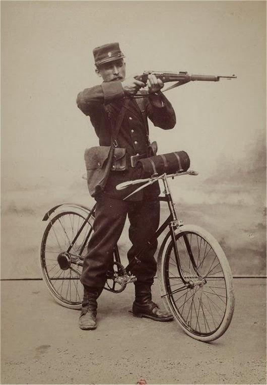 The Gladiator Folding Bicycle, 1896 (1)