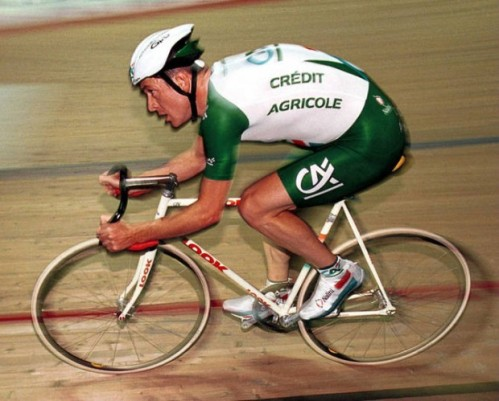Chris Boardman in his Hour attempt following the UCI rule changes, Manchester Velodrome, 2000