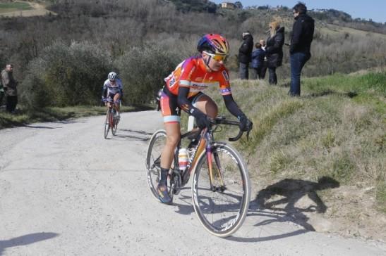 Megan Guarnier leads from Ashleigh Moolman during the 2015 Strade Bianchi (Photo ANSA)
