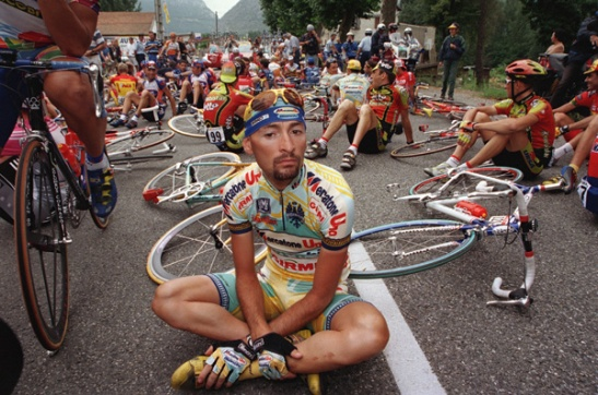 Marco Pantani sits in protest at the start of stage 12 of the 1998 Tour de France. Photo: Jacky Naegelen/Reuters