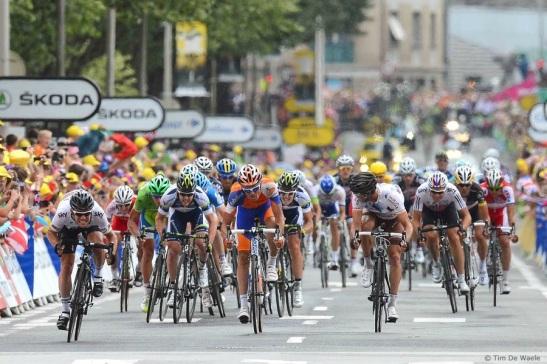 Mark Cavendish sprints for line to win stage 18 of the 2012 Tour de France. © Tim De Waele