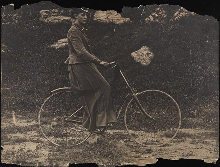 mrs f m cossitt the first woman to ride a bicycle in new york